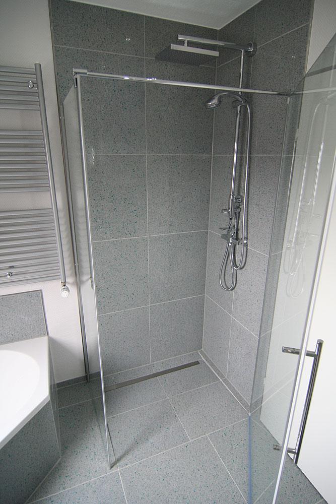 bodengleiche dusche rinnenablauf senkrechter ablauf wedi. Black Bedroom Furniture Sets. Home Design Ideas