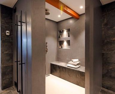 Renovatie en ombouw van een particuliere badkamer, Nederland (Fundo Top)
