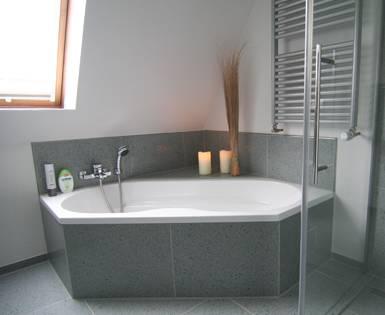 Trasformazione di un bagno privato zona di Amburgo (Fundo Riofino, pannello)